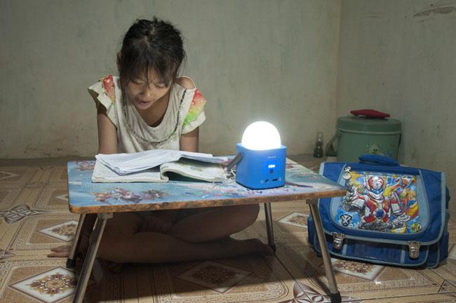 món quà ánh sáng philips cho các hộ nghèo Việt Nam