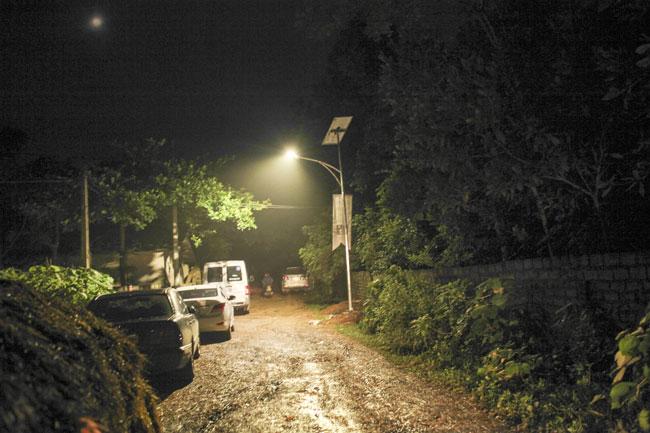 philips mang ánh sáng đến buôn làng