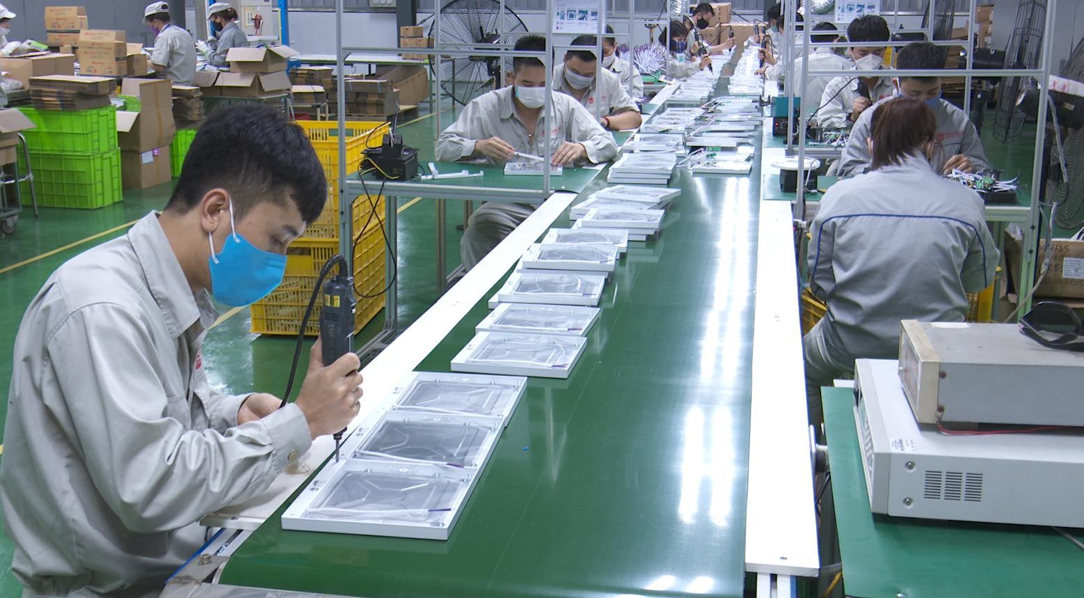 Sản xuất đèn lea tại Việt Nam