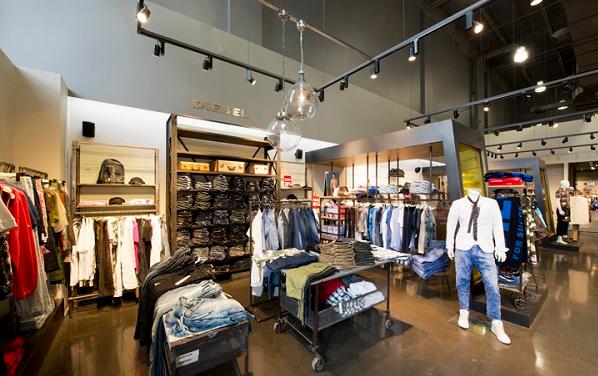 Tầm quan trọng của đèn chiếu sáng trong cửa hàng shop thời trang