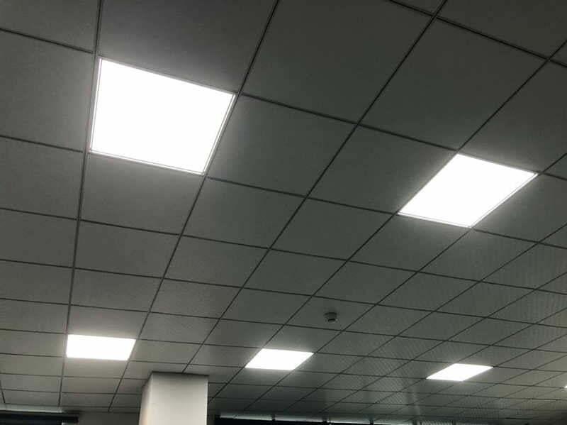 Hình chụp thực tế khi sử dụng đèn led panel philips